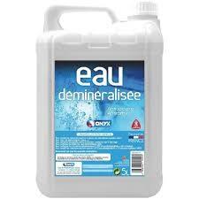 Eau distillée et eau déminéralisée